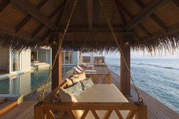 naladhu-maldives-courtesy-of-anantara-com-the-luxe-lookbook