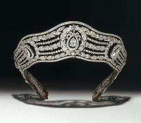 1919 Cartier Tiara - courtesy of langantiques.com