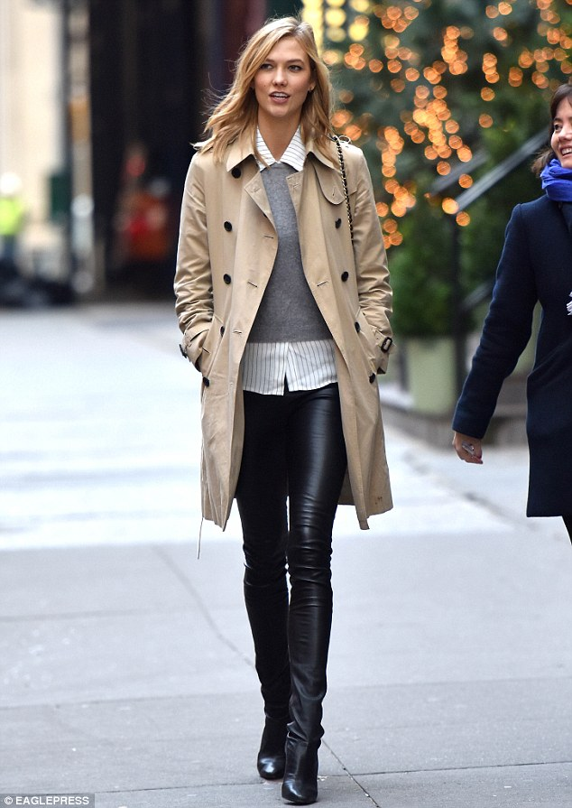 Karlie Kloss In Nyc Courtesy Of Dailymail Co Uk