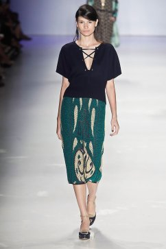 Gig Couture - Courtesy of fashionwirepress.com