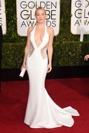 Kate Hudson in Versace with Forevermark jewels and Jimmy Choo clutch