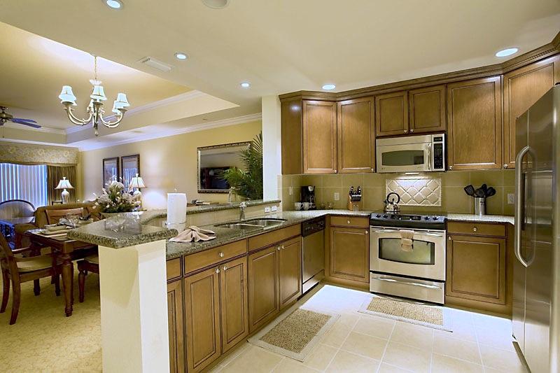 Superior Villa Full Kitchen - Courtesy of reunionresortcondorentals.com