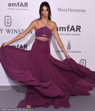 Kendall Jenner in Calvin Klein - Courtesy of dailymail.co.uk