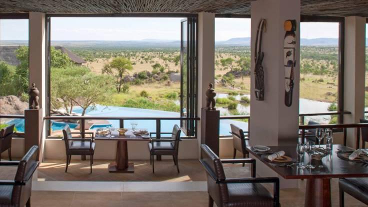 Four Seasons Safari Lodge Dining - Courtesy of Four Seasons Resorts