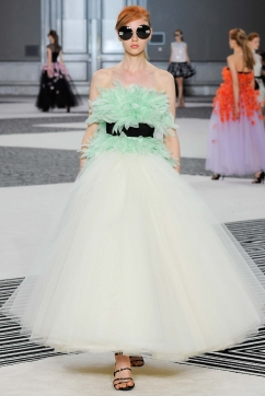 Giambattista Valli Fall 2015 Couture - Photo by Yannis Vlamos - Indigitalimages.com
