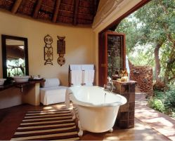 Makanyane Safari Lodge - Suites Bathroom - Courtesy of Makanyane Lodge