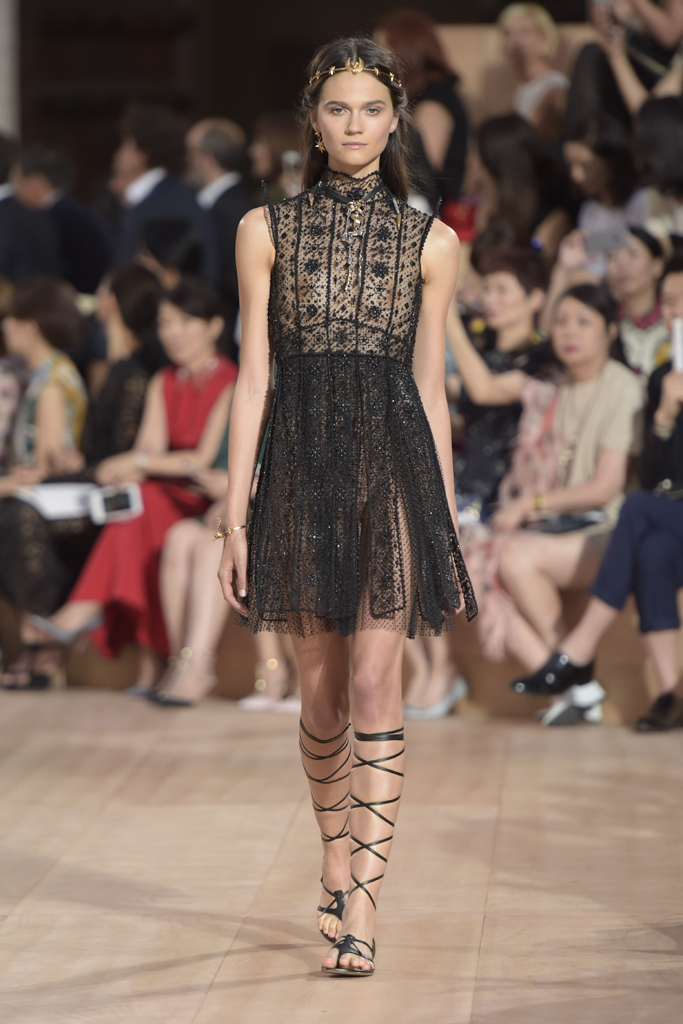 Best Luxe Looks Valentino S Mirabilia Romae Haute Couture