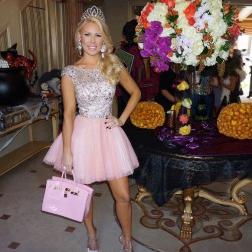 Gretchen Rossi as a Princess - Photo gretchenrossi - Instagram
