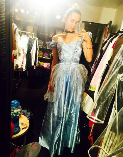 Miley Cyrus as Cinderella - Photo mileycirus - Instagram