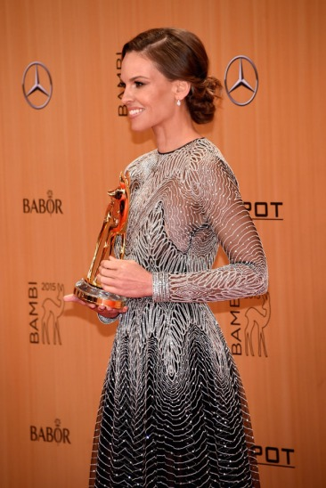 Hilary Swank in Naeem Khan - Getty Images