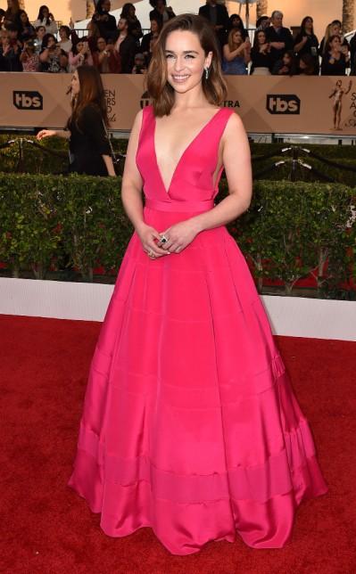 Emilia Clarke in Dior - Photo Jordan Strauss - Invision - AP