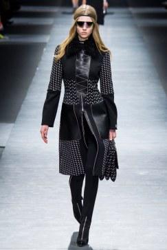 Versace - Photo Yannis Vlamos - Indigital20