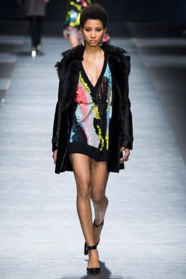 Versace - Photo Yannis Vlamos - Indigital27