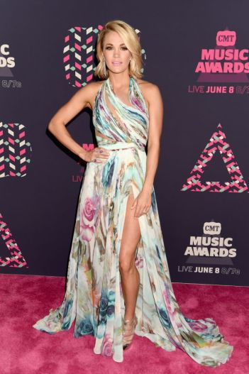 Carrie Underwood - Photo credit-Getty Images - The Luxe Lookbook