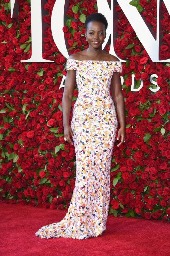 Lupita Nyong'o in Boss - Photo credit-Dimitrios Kambouris-Getty - The Luxe Lookbook