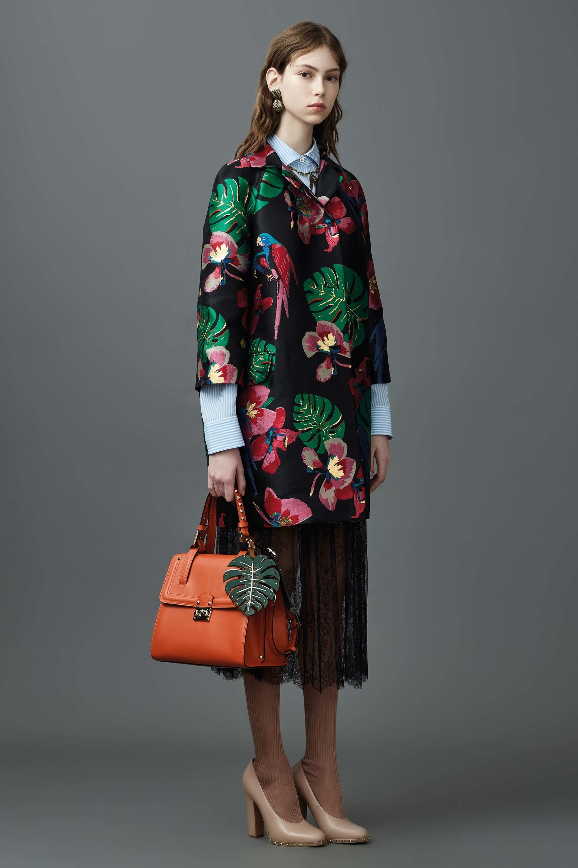 Watch - Resort Valentino bag collection pictures video