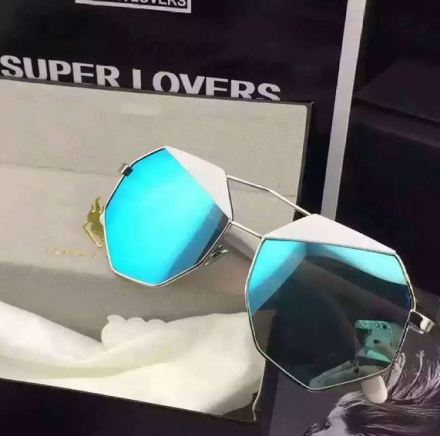 sunglasses - Photo credit-m.eglasses - Instagram