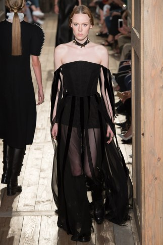 Valentino - Photo Credit-Yannis Vlamos-Indigital.tv - The Luxe Lookbook7