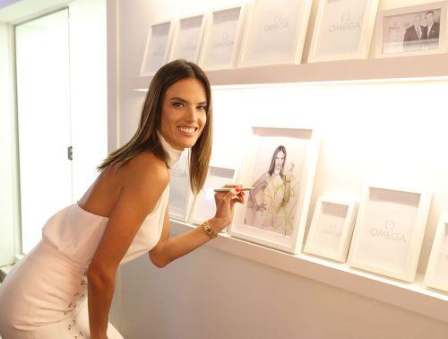 Alessandra Ambrosio - Photo credit-emirates247.com - The Luxe Lookbook1