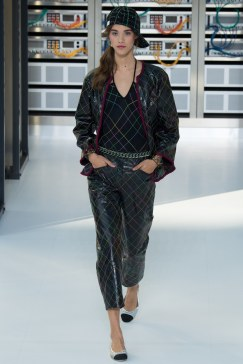 chanel-photo-by-yannis-vlamos-indigital-tv-the-luxe-lookbook10