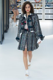 chanel-photo-by-yannis-vlamos-indigital-tv-the-luxe-lookbook2