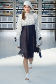 chanel-photo-by-yannis-vlamos-indigital-tv-the-luxe-lookbook22