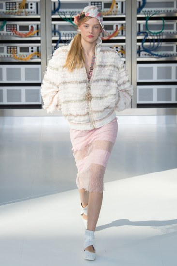 chanel-photo-by-yannis-vlamos-indigital-tv-the-luxe-lookbook26