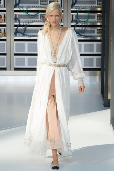 chanel-photo-by-yannis-vlamos-indigital-tv-the-luxe-lookbook29