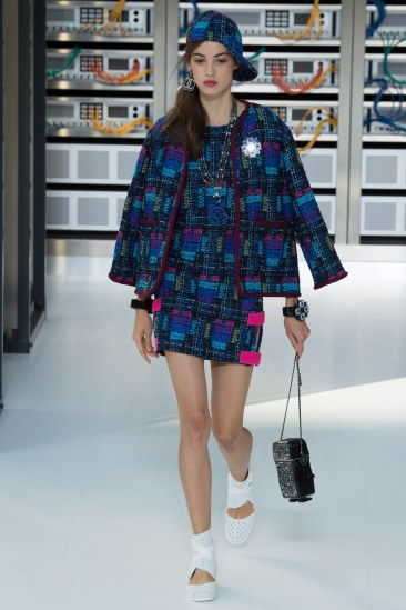 chanel-photo-by-yannis-vlamos-indigital-tv-the-luxe-lookbook6