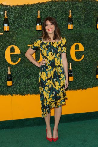 mandy-moore-at-veuve-clicquot-getty-the-luxe-lookbook