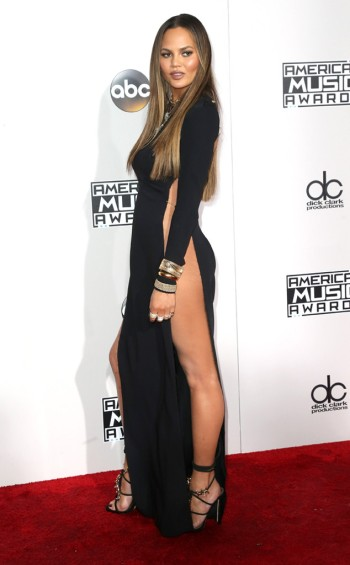chrissy-teigen-at-2016-amas-frederick-m-brown-getty-the-luxe-lookbook