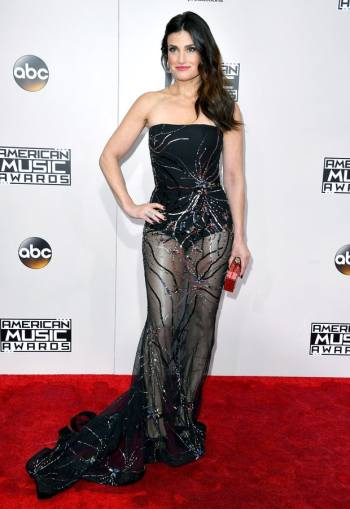 idina-menzel-in-thai-nguyen-atelier-at-2016-amas-steve-granitz-wireimage-the-luxe-lookbook