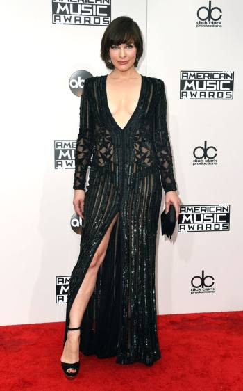 milla-jovovich-in-elie-saab-valerie-macon-afp-getty-the-luxe-lookbook