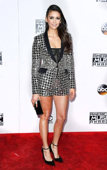 nina-dobrev-in-zuhair-murad-at-2016-amas-steve-granitz-wireimage-the-luxe-lookbook