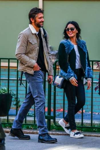 olivia-munn-in-shearling-bomber-stalkcelebs-com-the-luxe-lookbook