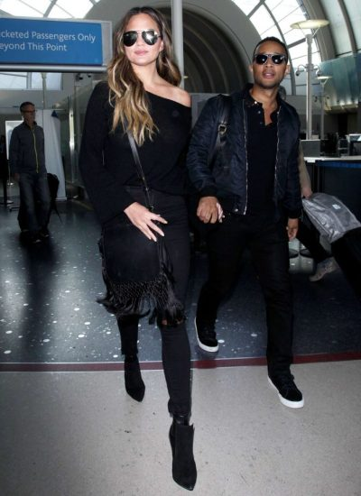 chrissy-teigen-mama-style-gotceleb-com-the-luxe-lookbook2