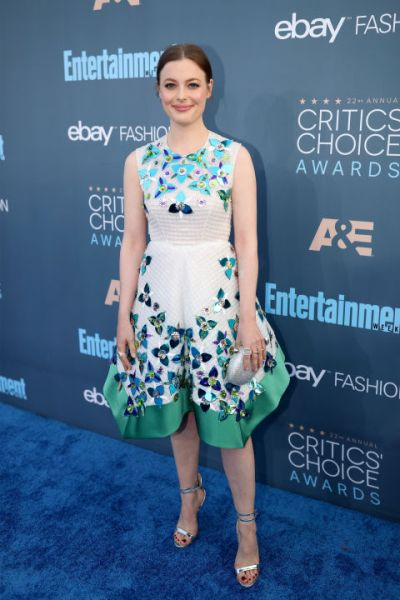 gillian-jacobs-in-delpozo-and-sophia-webster-heels-getty-the-luxe-lookbook