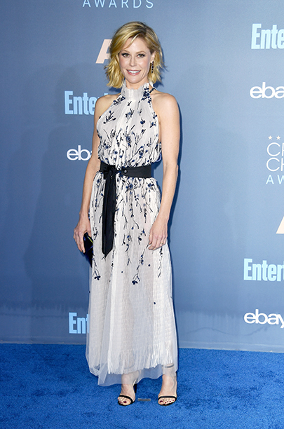 Julie Bowen at The 22nd Annual Critics' Choice Awards - Arrivals