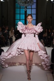 giambattista-valli-spring17-couture-yannis-vlamos-indigital-the-luxe-lookbook17