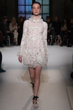 giambattista-valli-spring17-couture-yannis-vlamos-indigital-the-luxe-lookbook7