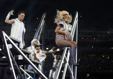lady-gaga-at-superbowl-halftime-hawtcelebs-com-the-luxe-lookbook4